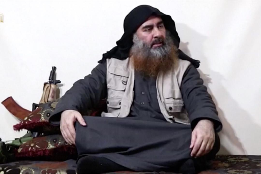 據信為 IS 首領巴格達迪五年來首次出現在錄像中。 來自網絡截圖