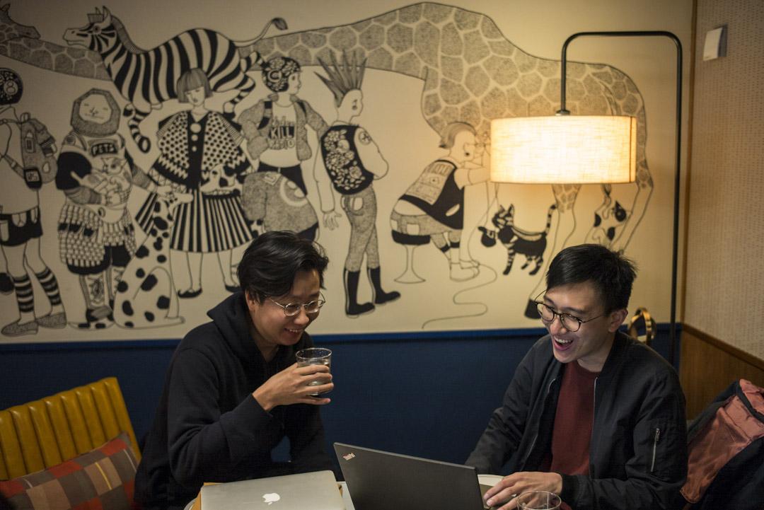 軟件工程師黃漢斌與梁逸風。