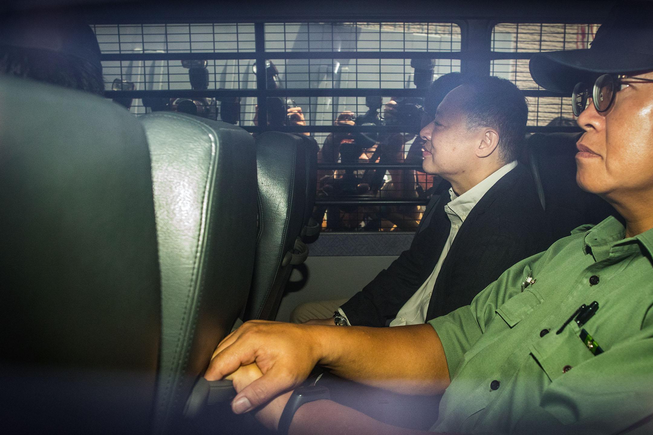 2019年4月24日,戴耀廷、陳健民、邵家臻、黃浩銘即時入獄,由囚車送往荔枝角懲教所。 攝:陳焯煇/端傳媒