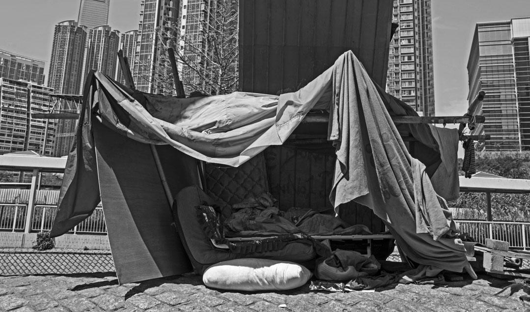 《無家者生活誌》攝影集封面圖片。