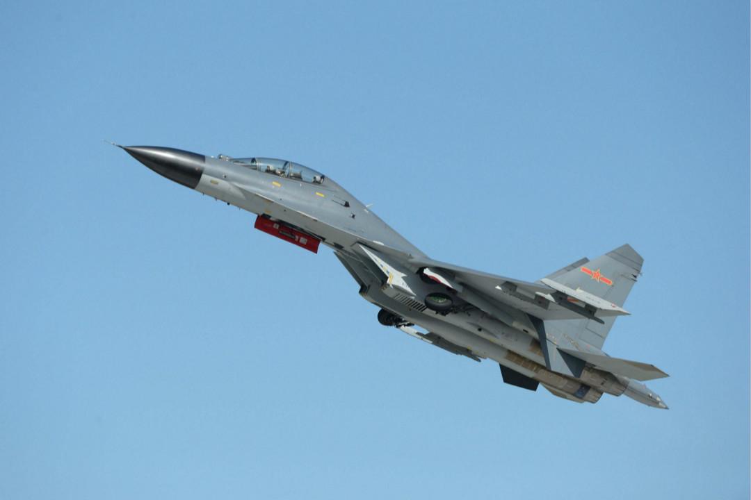2015年9月12日,中國解放軍在吉林長春展示 J-11B 戰鬥機。 攝:Getty Images