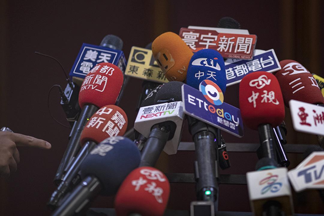 2019年4月22日,高雄市長韓國瑜出席歐洲商會餐會,傳媒等待聯訪。