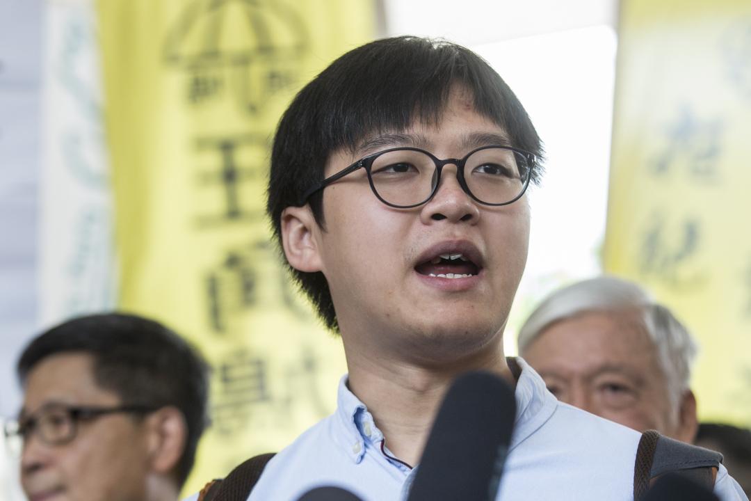 2019年4月9日,佔中九子案判決,張秀賢進入法院前發表感言。 攝:林振東/端傳媒
