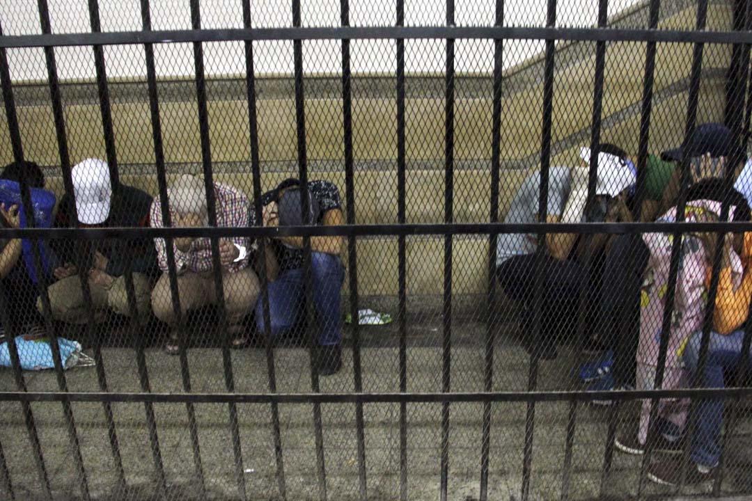2014年,埃及有8人因參加非法同性戀婚禮而被判入獄三年。