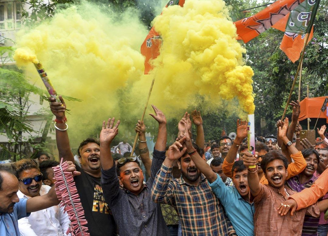 2019年5月23日,印度總理莫迪所屬的印度人民黨(Bharatiya Janata Party, BJP)黨部外面,莫迪支持者舉行慶祝活動。