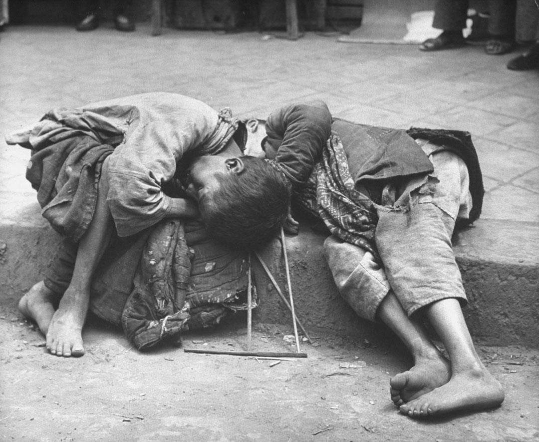 1958-1962年期間造成上千萬人死亡的大饑荒原因之一就是以「配額」取代「價格」的糧食統購統銷制度,嚴重扭曲資源配置,造成生產嚴重不足。