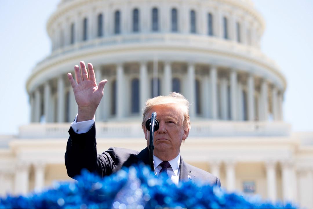 2019年5月15日,美國總統特朗普在國會大廈前舉行的陣亡將士紀念活動中發表講話。 攝:Kevin Dietsch/Getty Images