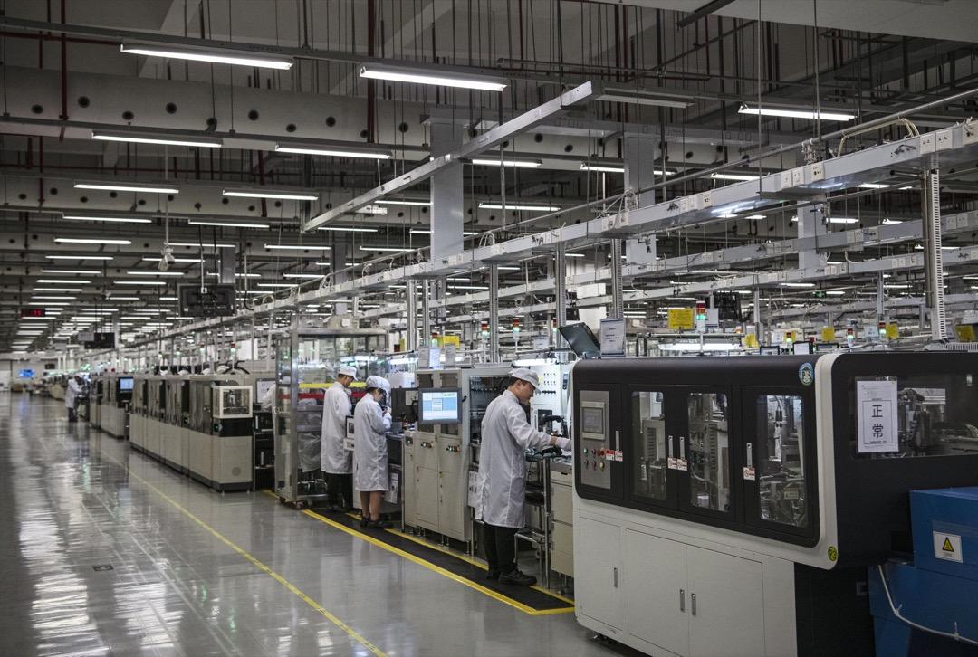 第二次美國技術轉移發生在改革開放時代。這次轉移規模比第一次更大,當中包括向中國輸出生產綫。