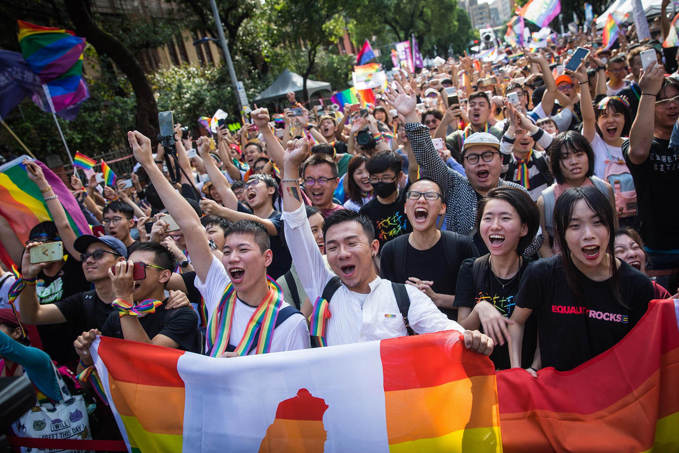 2019年5月17日,台北立法院外挺同團體發起集會,超過4萬人參加。 攝:陳焯煇/端傳媒