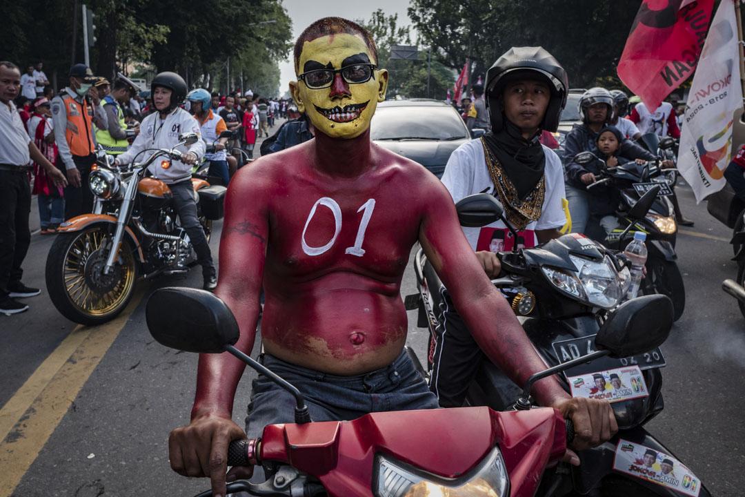 2019年4月9日,現任總統Joko Widodo的支持者參加印尼爪哇省梭羅舉行的競選集會。