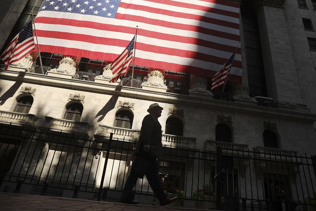 支撐美國經濟的其中重要因素是美聯儲的寬鬆貨幣政策。在美國歷史上最長連續經濟連續增長的最長記錄(十年)。而這十年中的七年裏,美聯儲都在執行零利率政策。