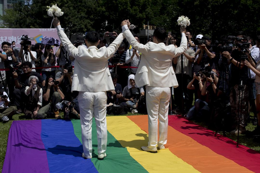 2019年5月24日,婚權平台與台北市政府民政局合辦「幸福起跑線Wedding Party」,為多對同婚登記的新人慶祝。