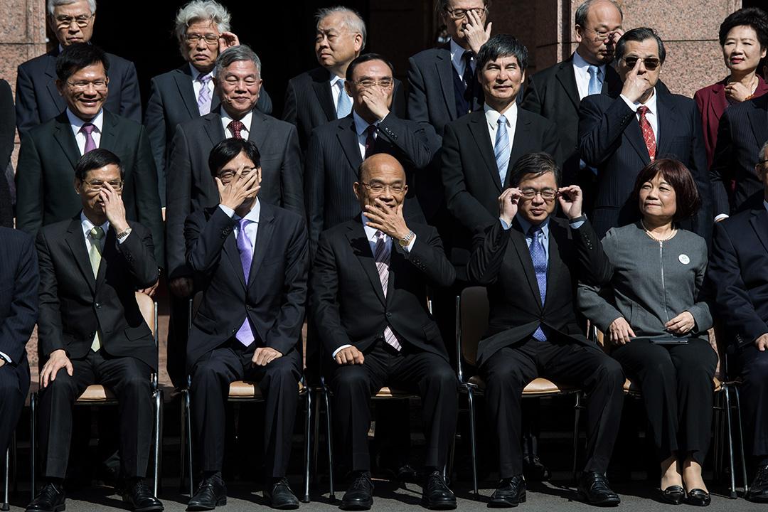 2019年1月14日,陳其邁及蘇貞昌出席行政院聯合交接典禮後大合照。