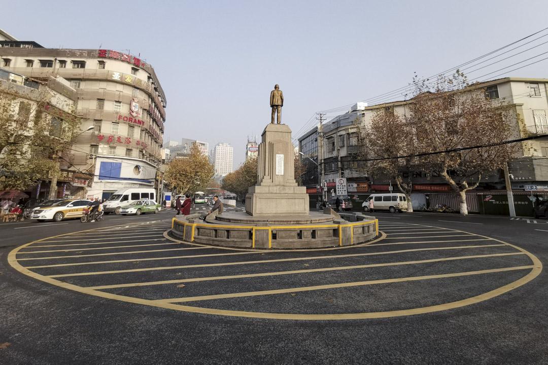 2018年12月23日,武漢六渡橋孫中山銅像。