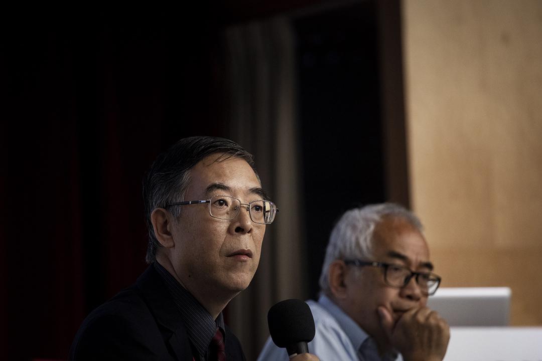 2019年5月19日,吳仁華參加華人民主書院與支聯會舉行「六四事件30周年中國民主運動的價值更新與路徑探索研討會」。