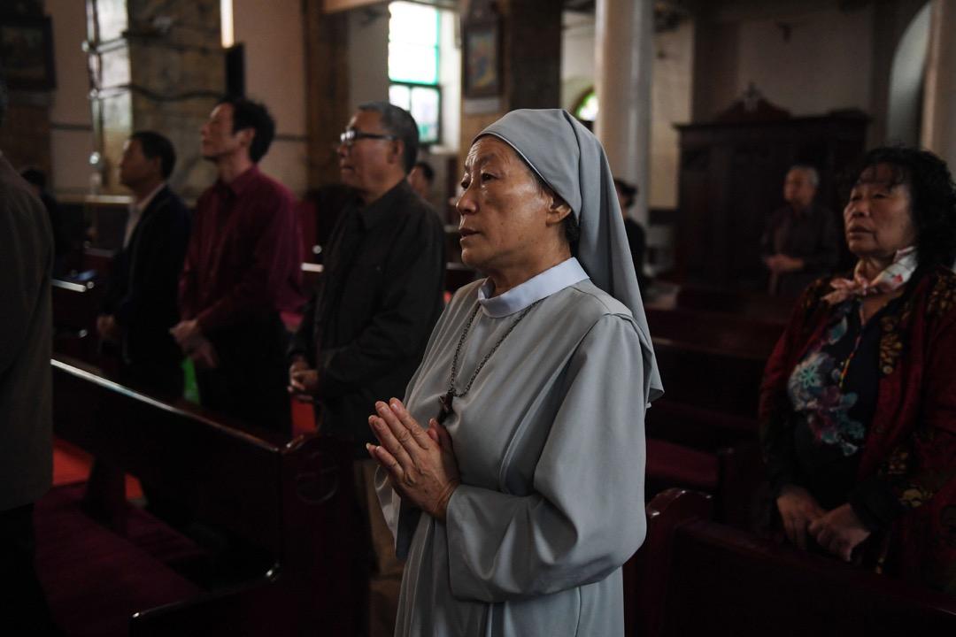 在中國當前這種政治氣候下,梵蒂岡的善意和期許就像是一場豪賭,賭上的是千萬天主教徒特別是地下教會信徒的命運。 攝:Greg Baker/AFP/Getty Images