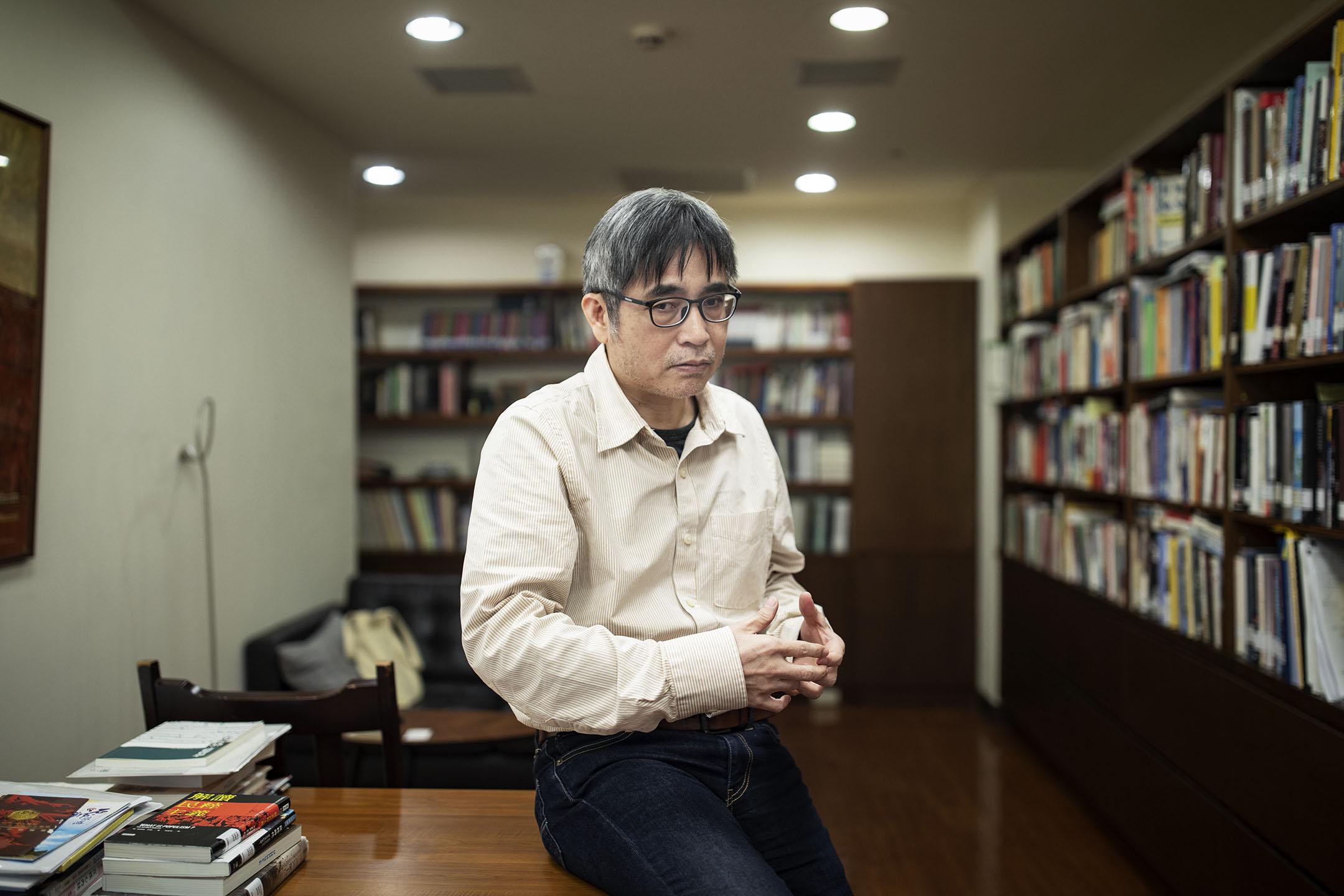 中研院副研究員吳介民。