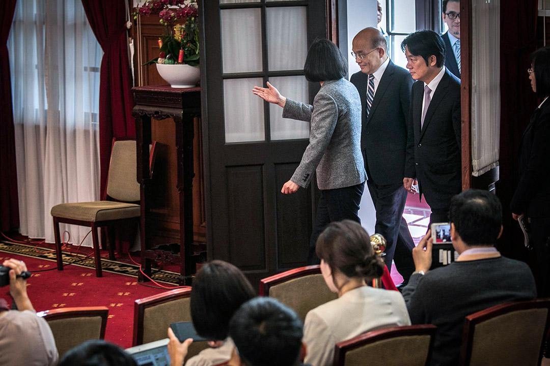 2019年1月11日,蔡英文在總統府舉行記者會,正式任命前行政院長蘇貞昌為新任閣揆,與即將卸任的行政院長賴清德出席記者會。