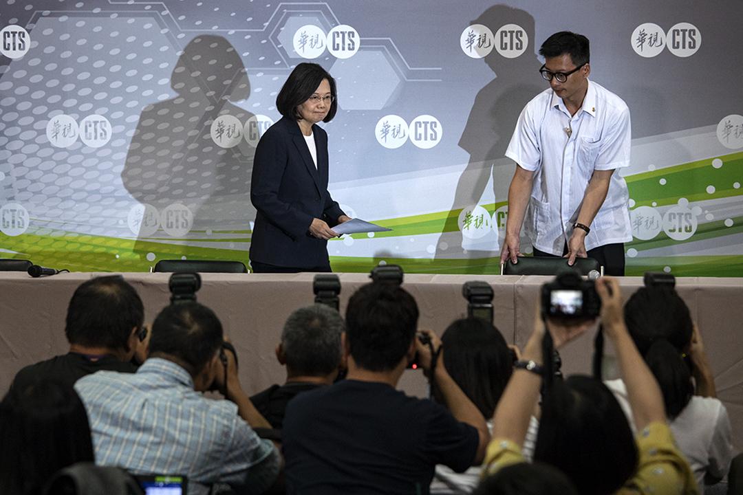 2019年6月8日,民進黨舉行總統初選辯論後,蔡英文的記者會。