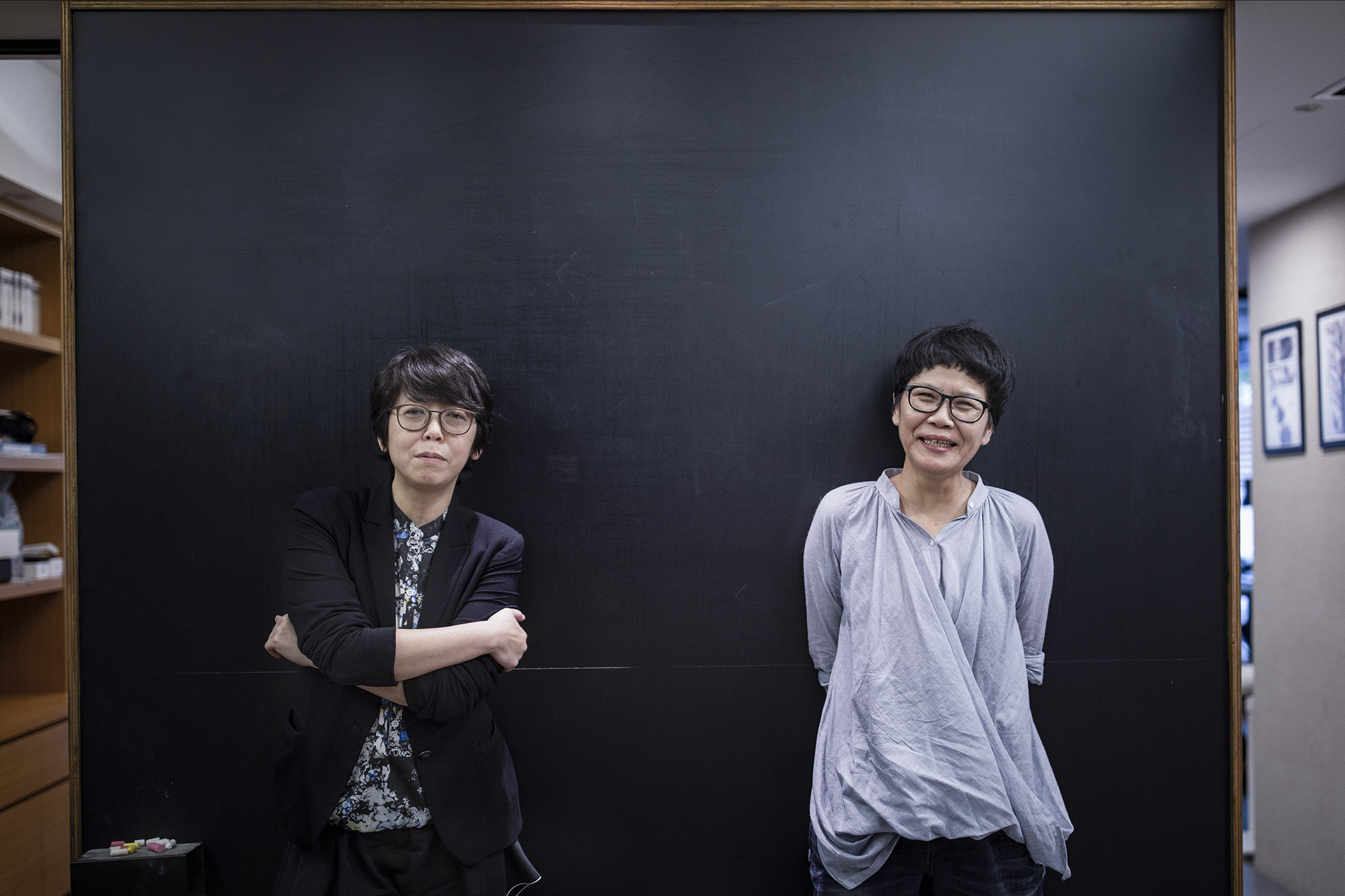監製於蓓華(左)及編劇呂蒔媛(右)。 攝:陳焯煇/端傳媒