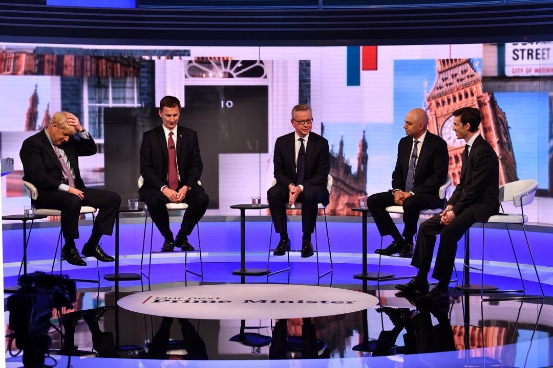 然而這場危機還沒有結束,在文翠珊退出以後,緊接着的就是保守黨的黨魁選舉。圖為眾候選人出席電視辯論節目。