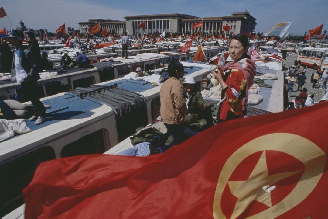 三十年前的六月四日,在滿城的國際媒體眼皮下,解放軍在北京展開屠殺,也讓中國成為國際間的眾矢之的,當時在六四後甘冒大不諱相助的國家,竟是日本。 攝:Jacques Langevin/Sygma/Sygma via Getty Images