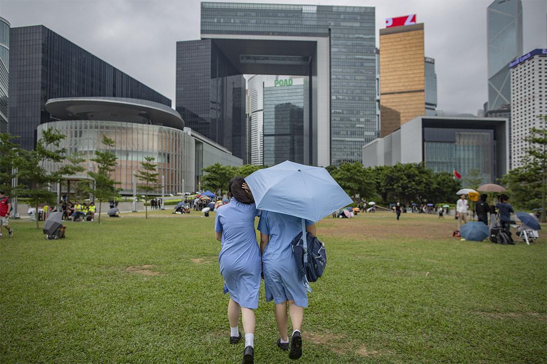 2019年6月18日,學生在添馬公園進行罷課。 攝:陳焯煇/端傳媒