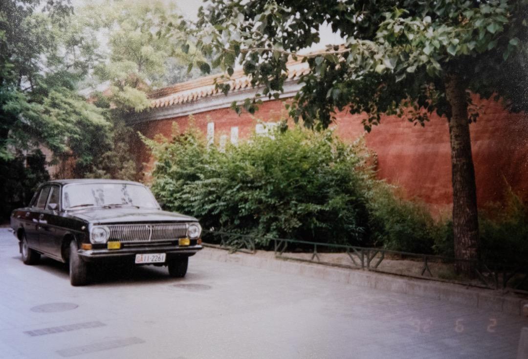 天安門廣場西側的第28中學,曾經埋下王楠屍體的地方,現在已經種下一棵棵灌木。