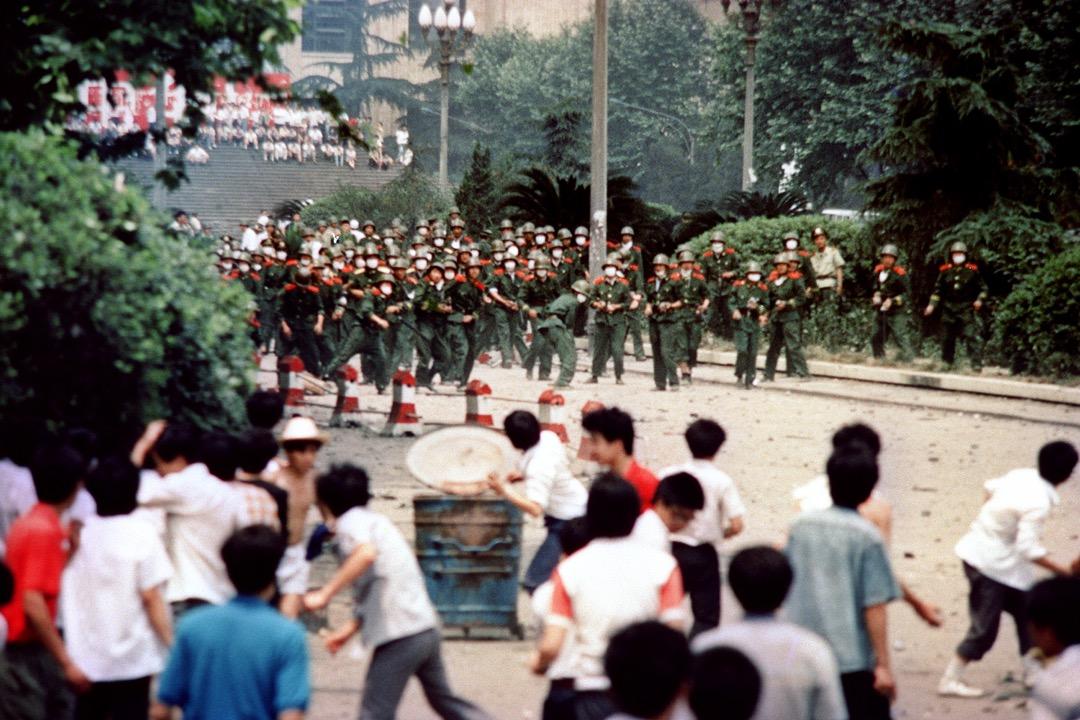 1989年6月4日,在成都發生響應北京民運的學生示威同樣遭到軍隊武力鎮壓。 攝:AFP/Getty Images