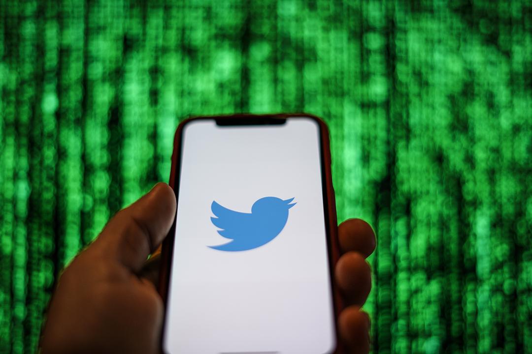 社交網站 Twitter 近日被指一度封鎖大量中國異見人士的帳戶。Twitter 公開致歉,但解釋事件源於檢測系統出錯,強調從未接到中國官方要求封鎖帳號。 攝:Jaap Arriens / NurPhoto via Getty Images