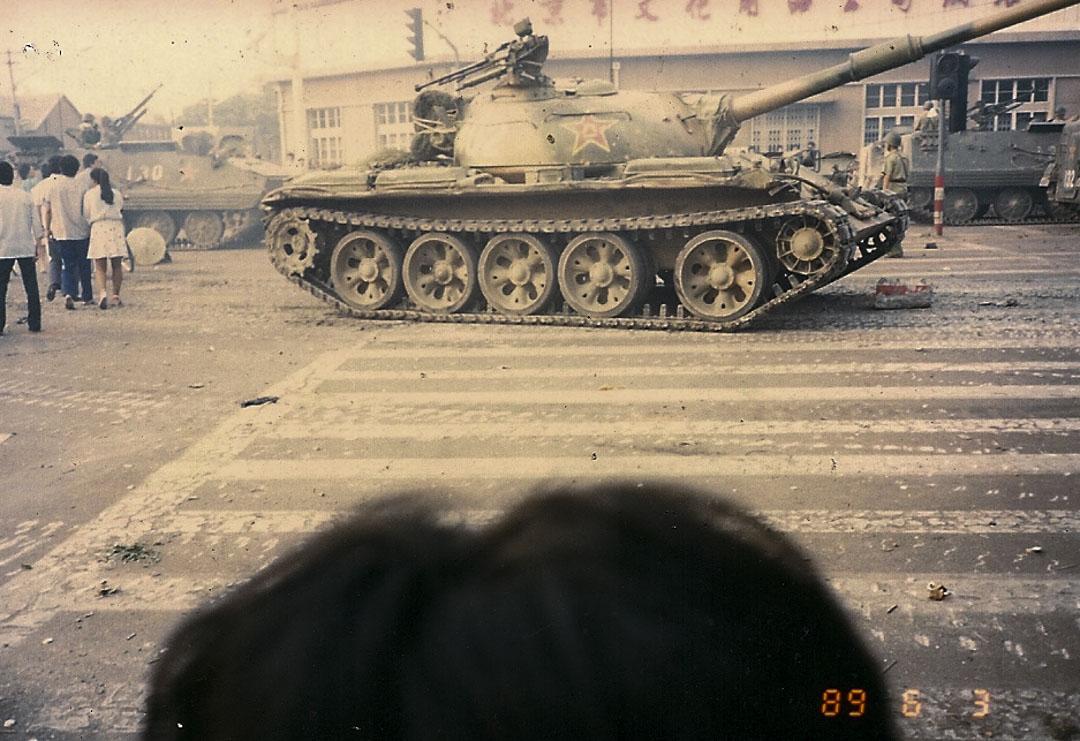 北京馬路上的坦克車。