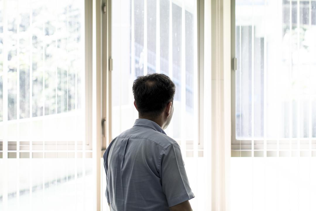 陳哲(化名),現在是一名中學教師。