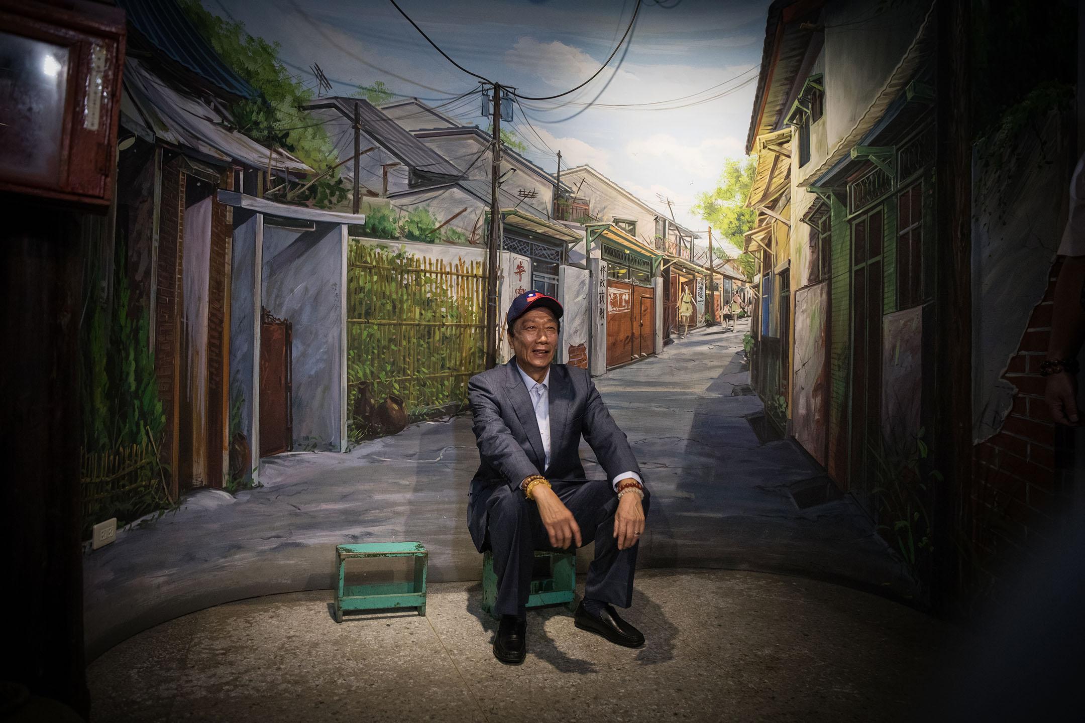 2019年4月26日,郭台銘前往新竹市眷村博物館參觀。 攝:陳焯煇/端傳媒