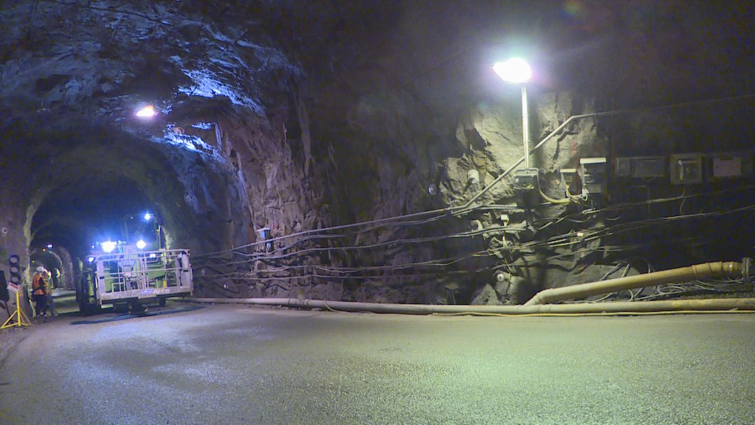 核廢永久處置地下實驗室位於450公尺深的地下,實驗室設置24年來,已經做了近五千項試驗。