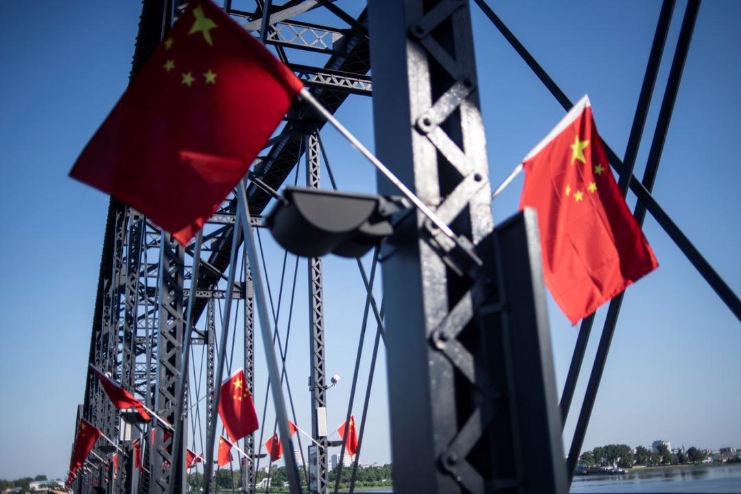 近日因為香港反修例的事,不僅中國國內輿論發生了兩極分化,中國大陸知識分子之間的撕裂也再一次得到凸顯。 攝:Fred Dufour/AFP/Getty Images