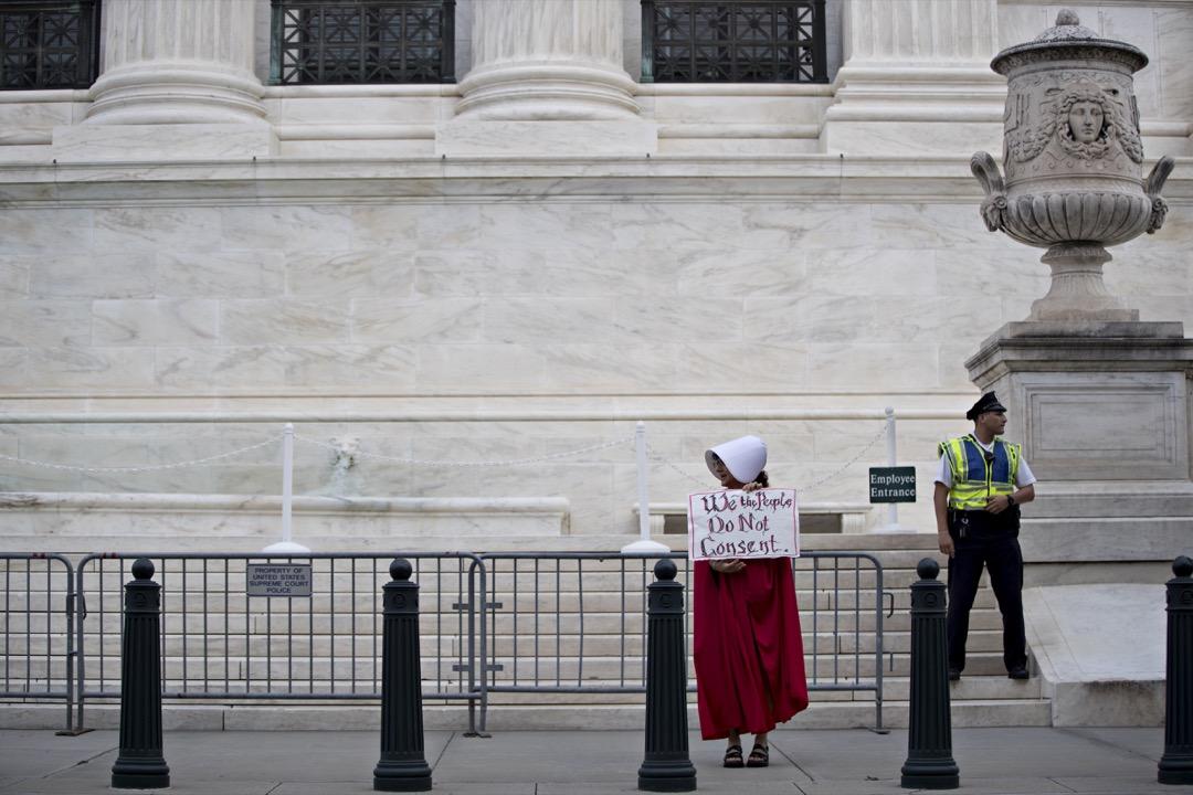 隨著第45屆美國總統特朗普和副總統彭斯上任,共和黨多年來溫吞的反墮胎進程突然被莽撞的駕駛踩了油門,變成美國政府的第一優先事項。