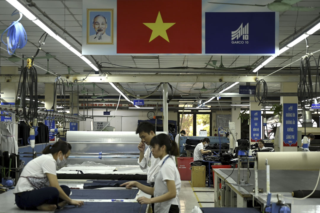 隨着中國人工成本的繼續上漲,不少工廠已將訂單搬到東南亞的代工廠。