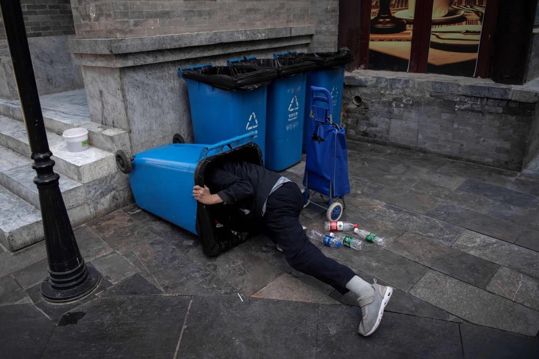 上海宣稱進入「垃圾分類強制時代」,是操之過急還是環境所必須? 攝:Nicolas Asfouri/AFP/Getty Images