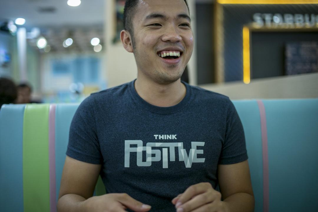 29歲的莊曉榆,擅長雙截棍,不時在中港兩地的電視節目表演。