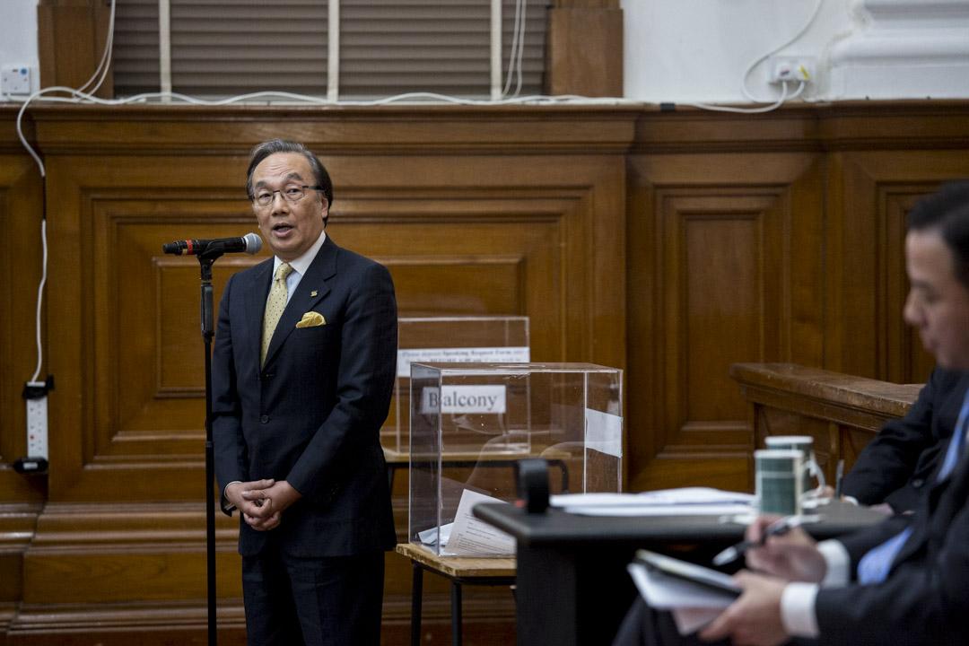 校長論壇上,港大校友、資深大律師梁家傑向港大校長張翔發問。