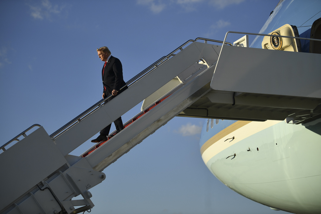 2019年6月30日,美國總統特朗普出席G20峰會後回國。