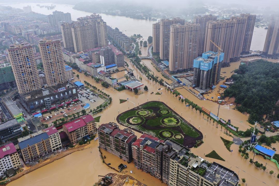 2019年7月10日,湖南衡東縣洣水一處堤壩決堤造成4村受災。 圖:IC photo