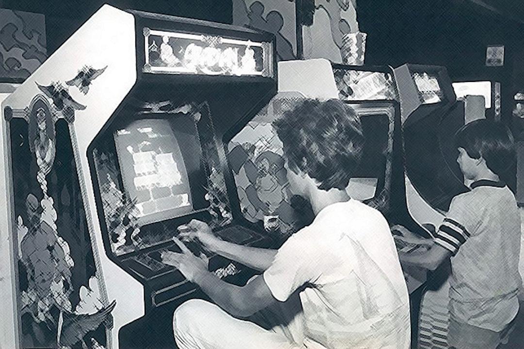 1983年,佛羅里達一家街機廳。