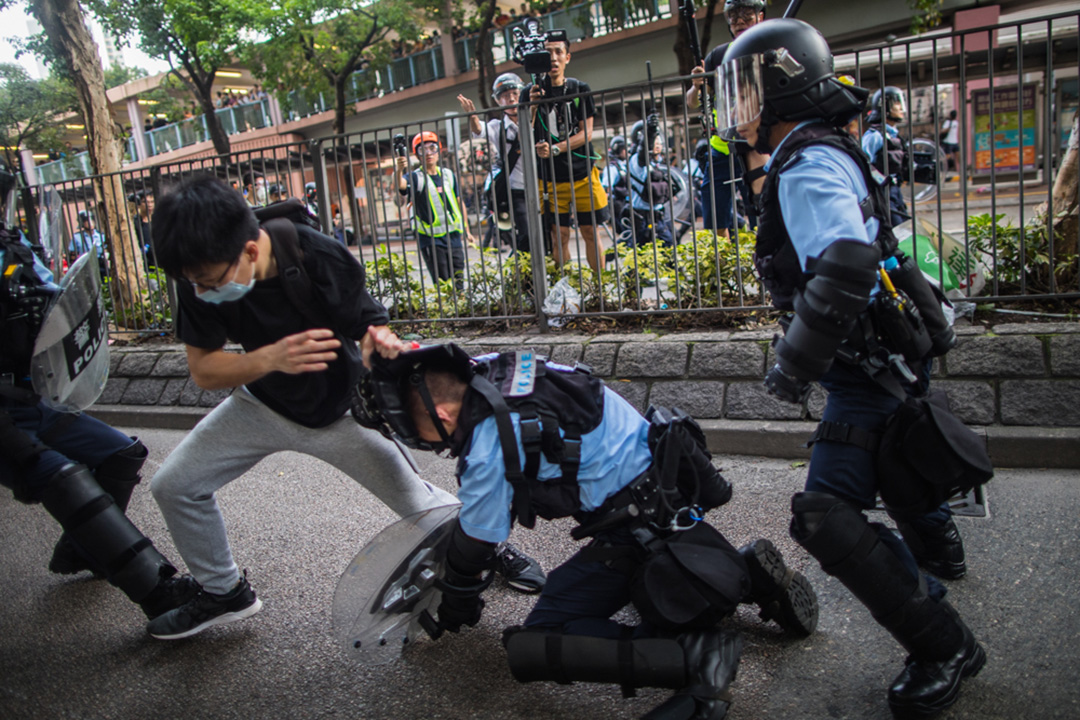 2019年7月13日,警方驅散上水新運路一帶的示威者,期間發生衝突。