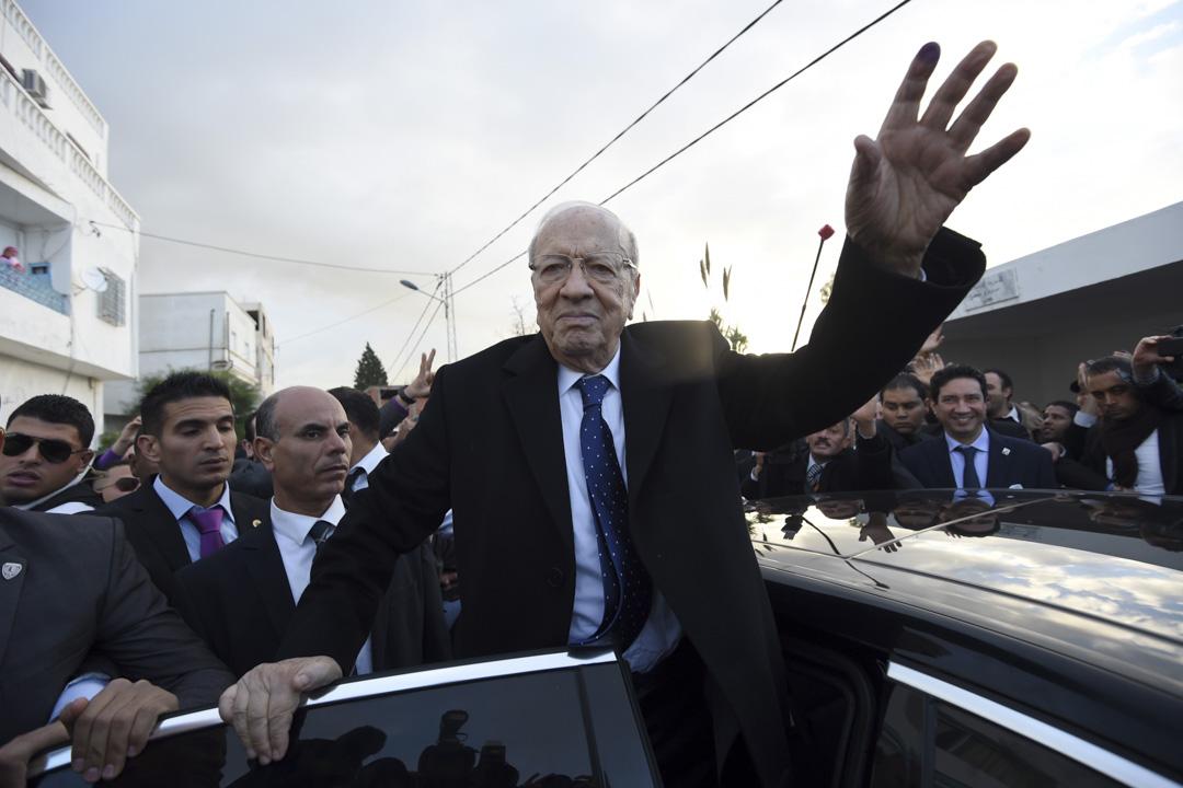 2014年12月21日,88歲的貝吉·卡伊德·埃塞卜西(Beji Caid Essebsi)贏得突尼斯首次民主大選。 攝:Fethi Belaid/AFP/Getty Images