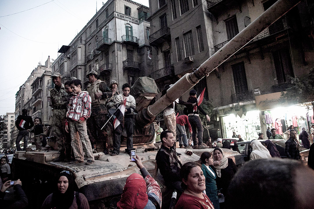 2011年2月13日,埃及人在開羅Tahrir廣場慶祝。 攝:Kim Badawi/Getty Images