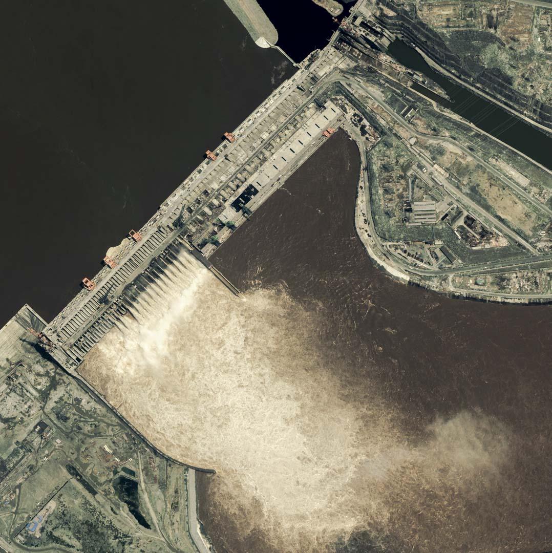2003年6月17日,三峽大壩的衛星圖像。