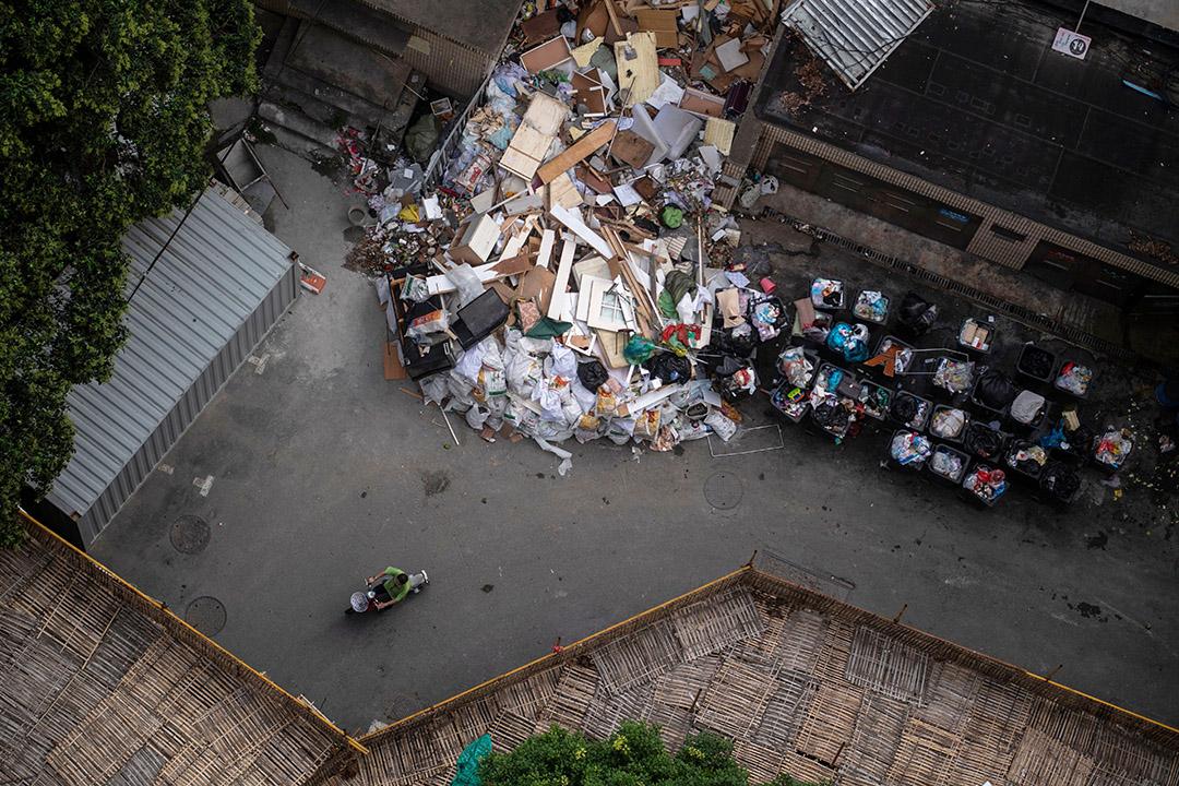 2018年8月28日,上海一棟住宅附近的垃圾收集區。