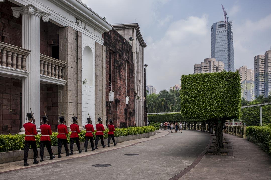 深圳世界之窗的表演人員。