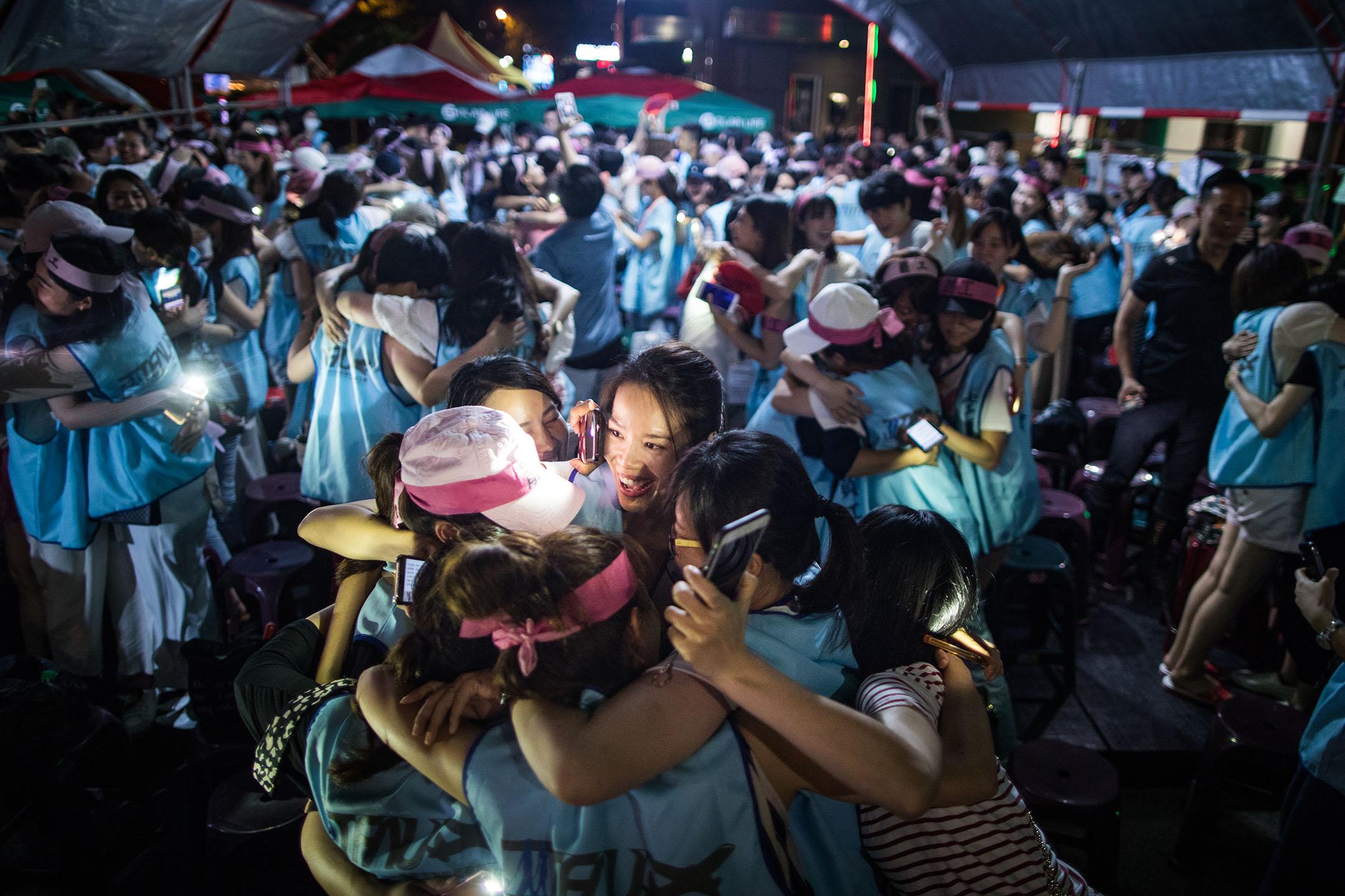 2019年7月6日,晚間7時南崁罷工棚開始舉行晚會活動。 攝:陳焯煇/端傳媒